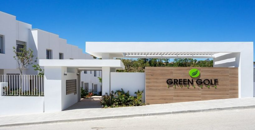 Townhouse for sale in Estepona | Green Golf